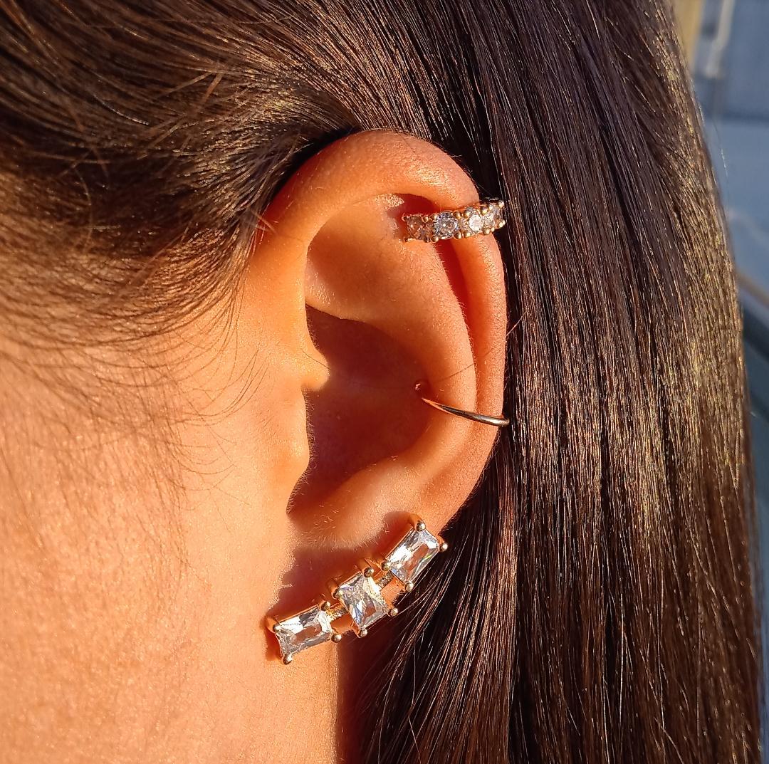 Brinco Ear Cuff Com Pedras Cristais Quadradas