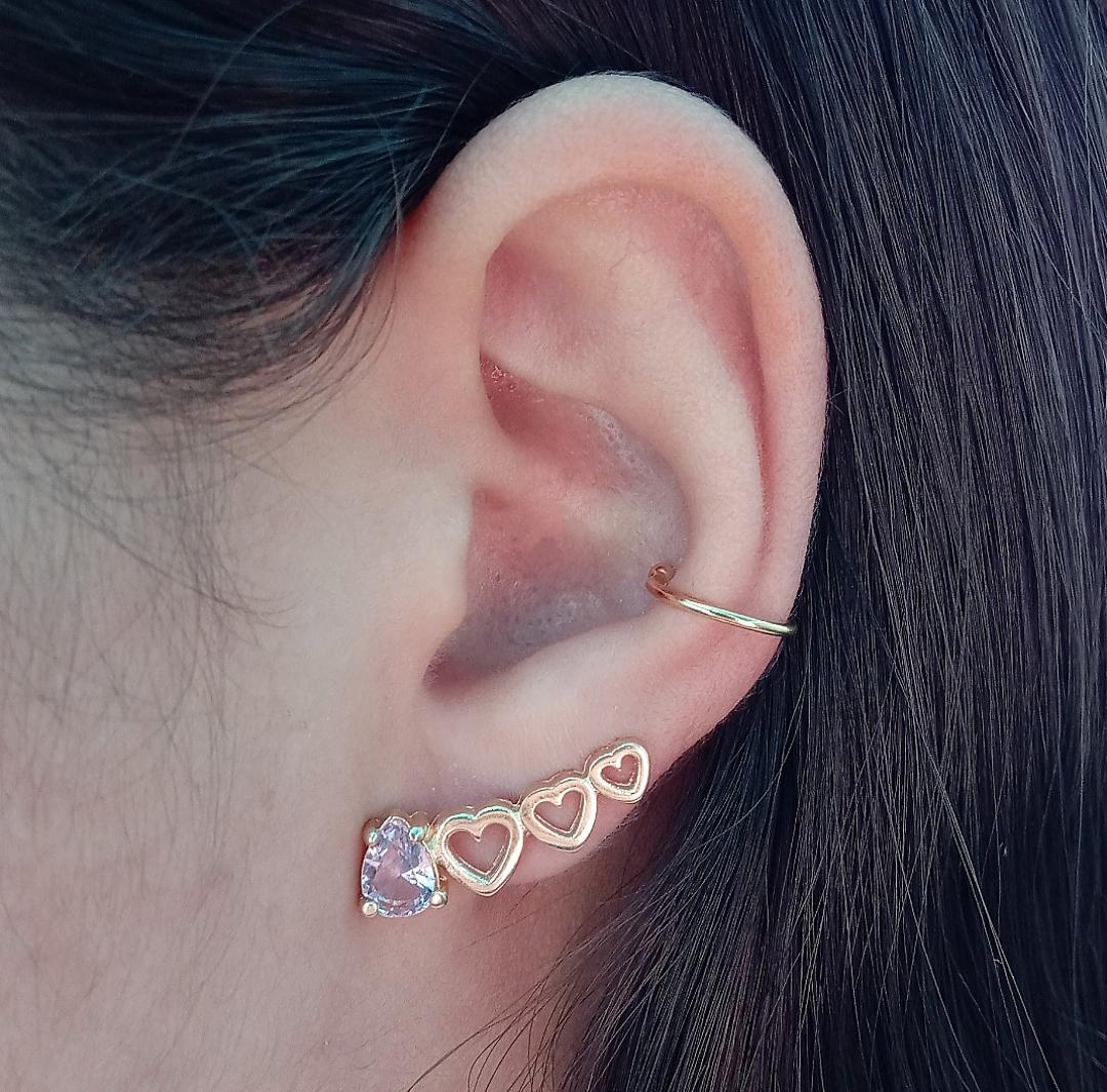 Brinco Ear Cuff Corações Vazados e Gota Rosa Incandescente