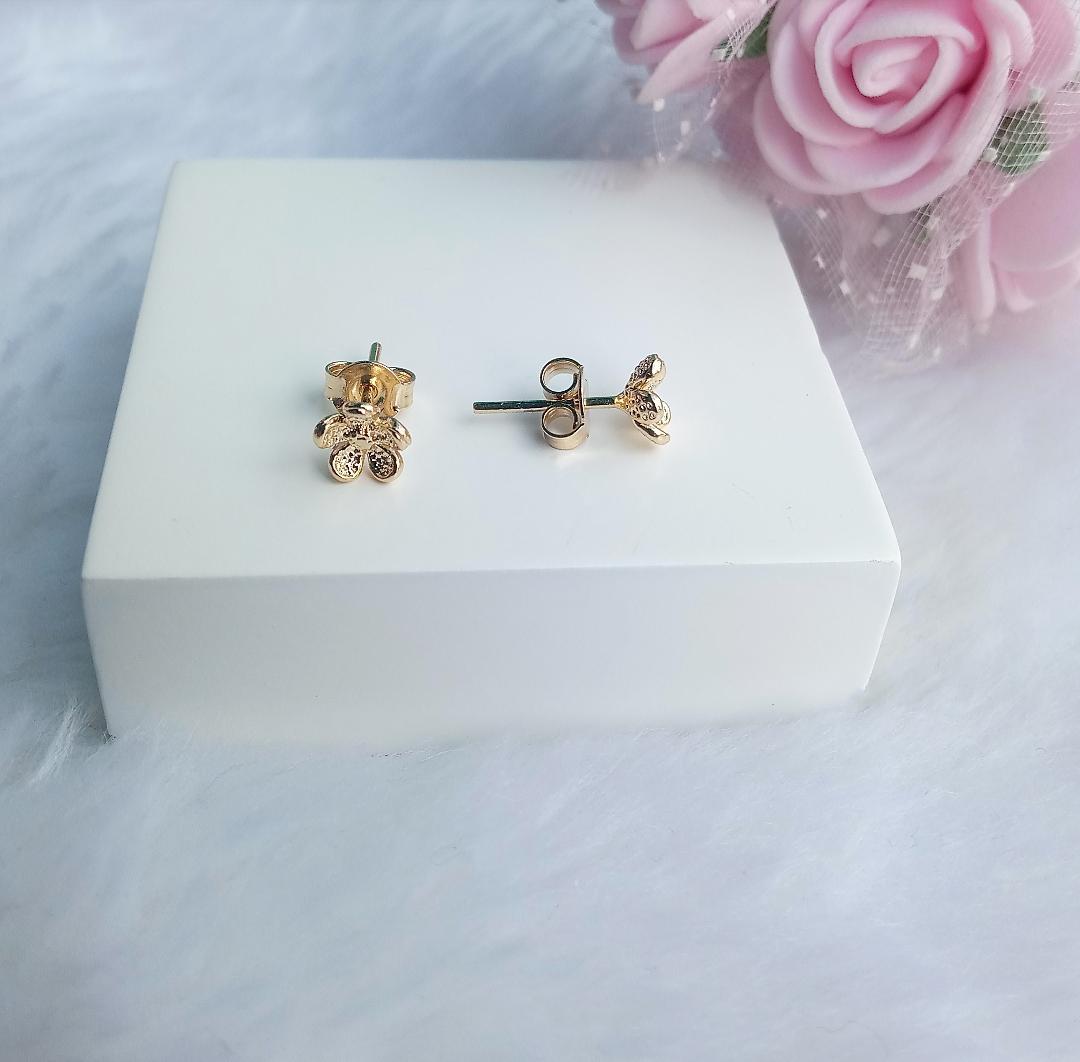 Brinco Flor Pequena