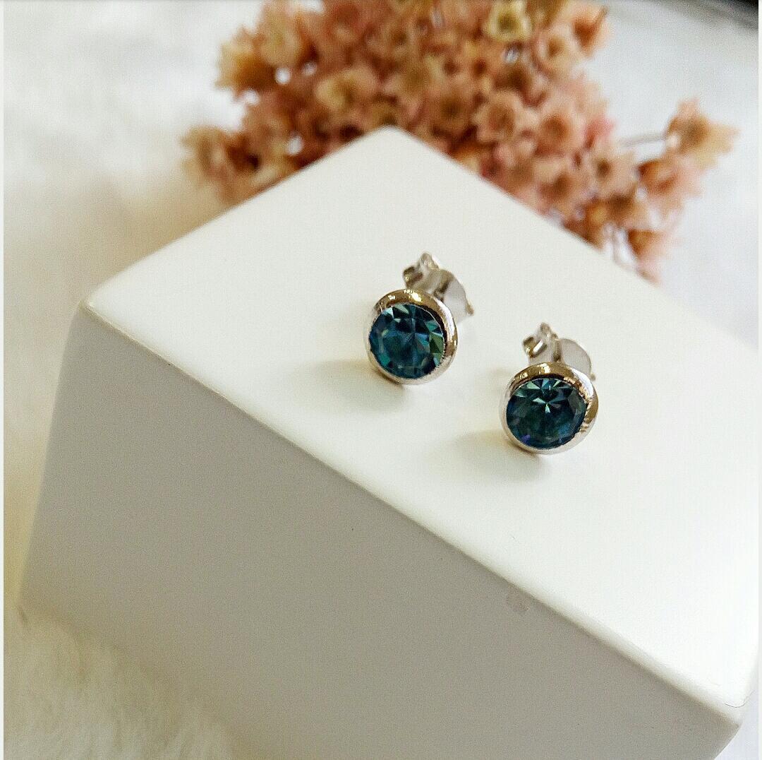 Brinco Funil Pedra Azul Incandescente