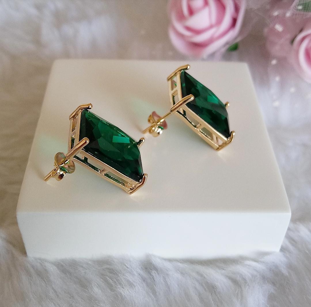 Brinco Quadrado Pedra Verde Esmeralda