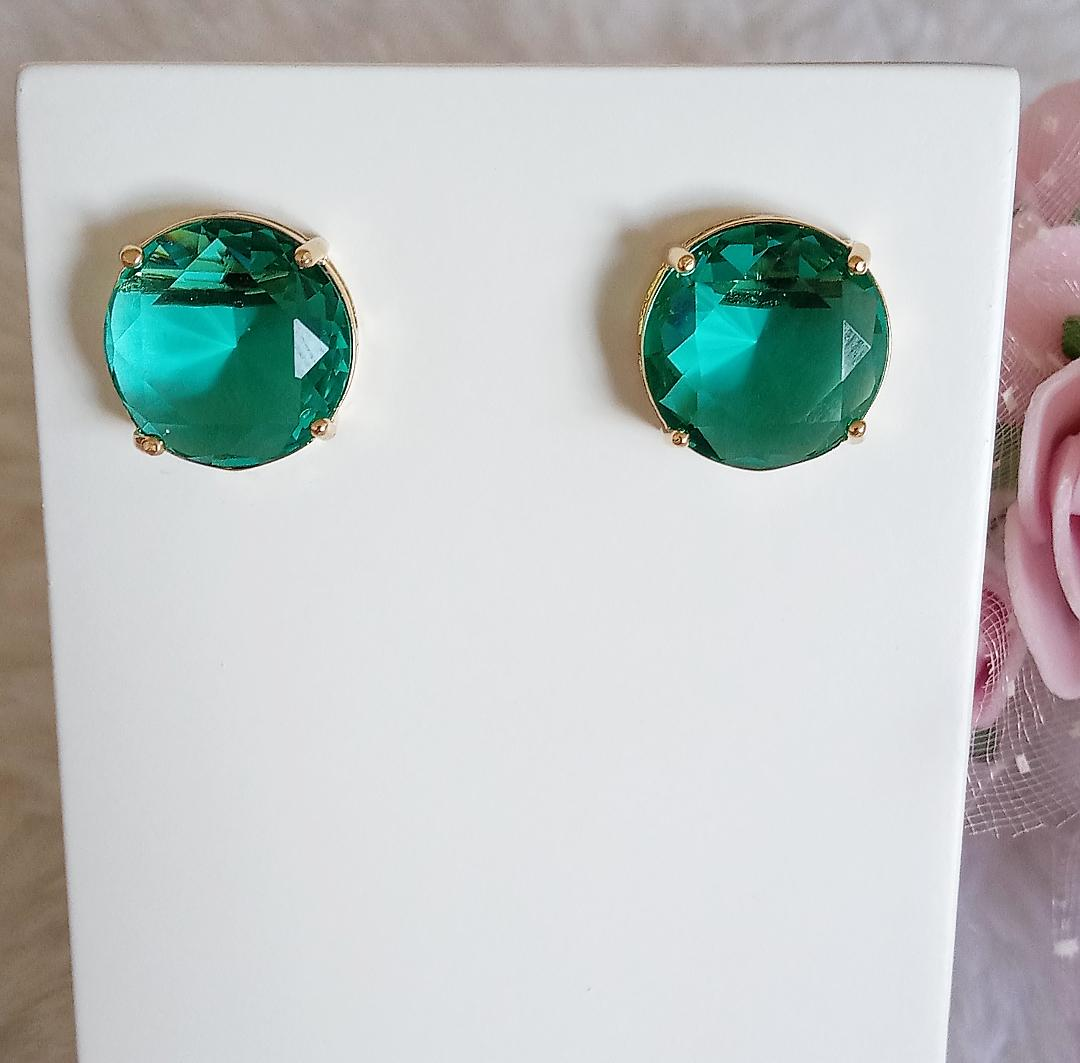 Brinco Redondo Pedra Verde Incandescente