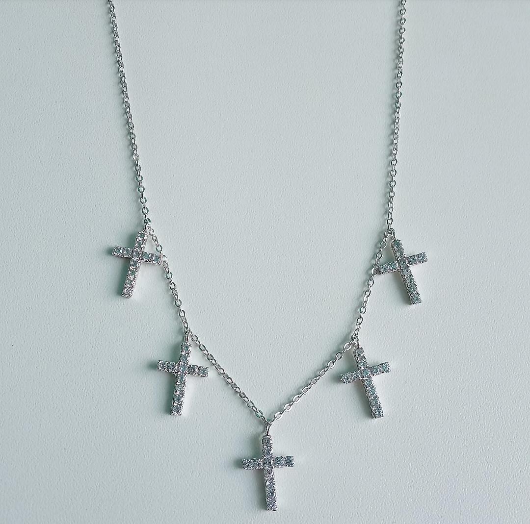 Choker Crucifixos Com Zircônias Penduradas