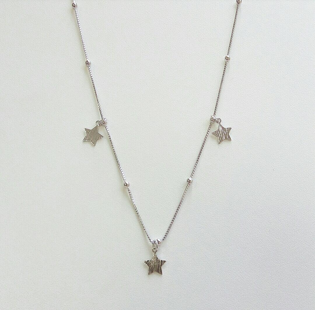 Choker De Estrelas Com Corrente De Mini Bolas