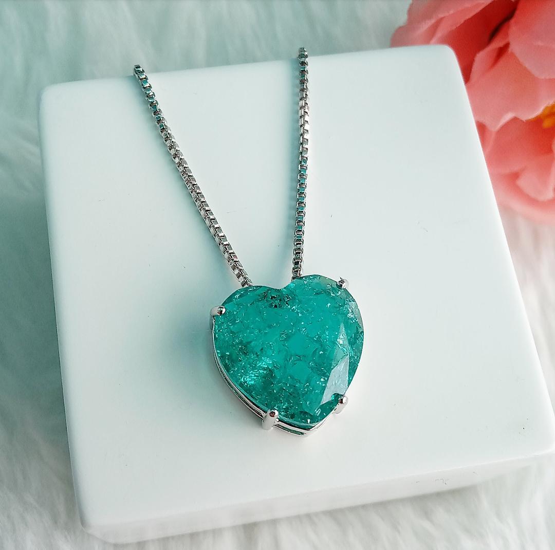 Colar Coração Com Pedra Esmeralda Fusion