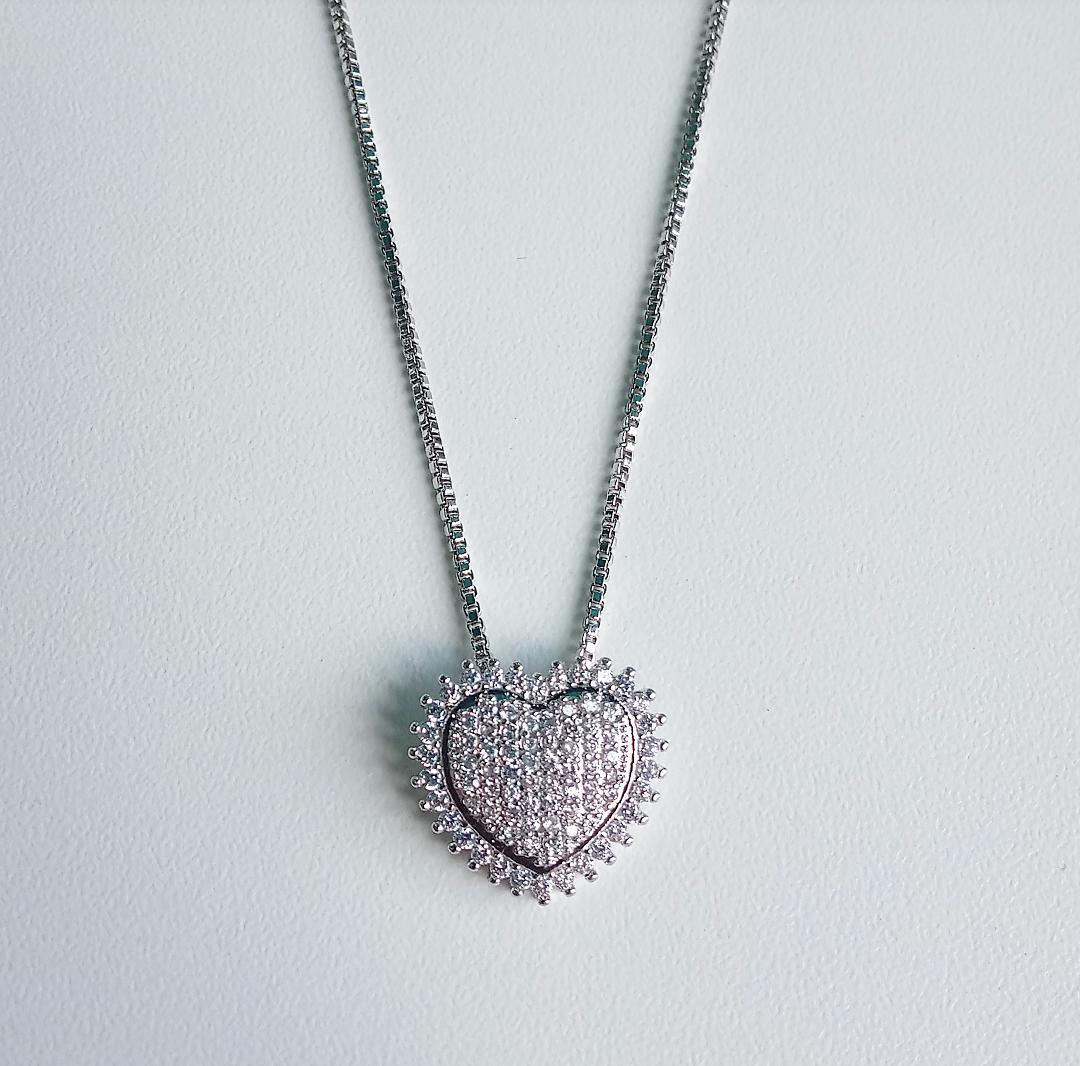 Colar Coração Cravejado Com Micro Zircônias