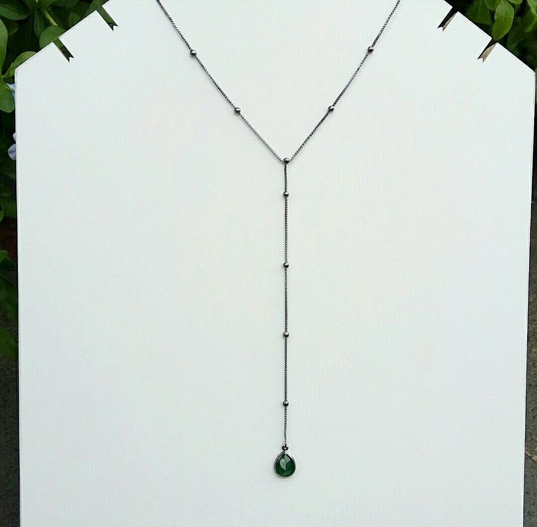 Colar Gravatinha Mini Bolas Com Gota Verde Esmeralda