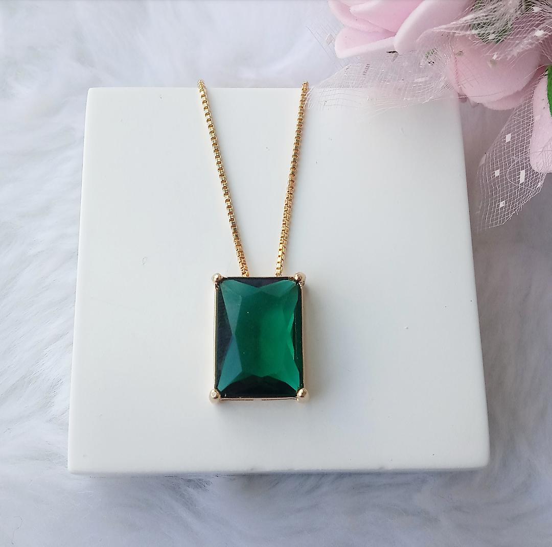 Colar Retângulo Pedra Verde Esmeralda