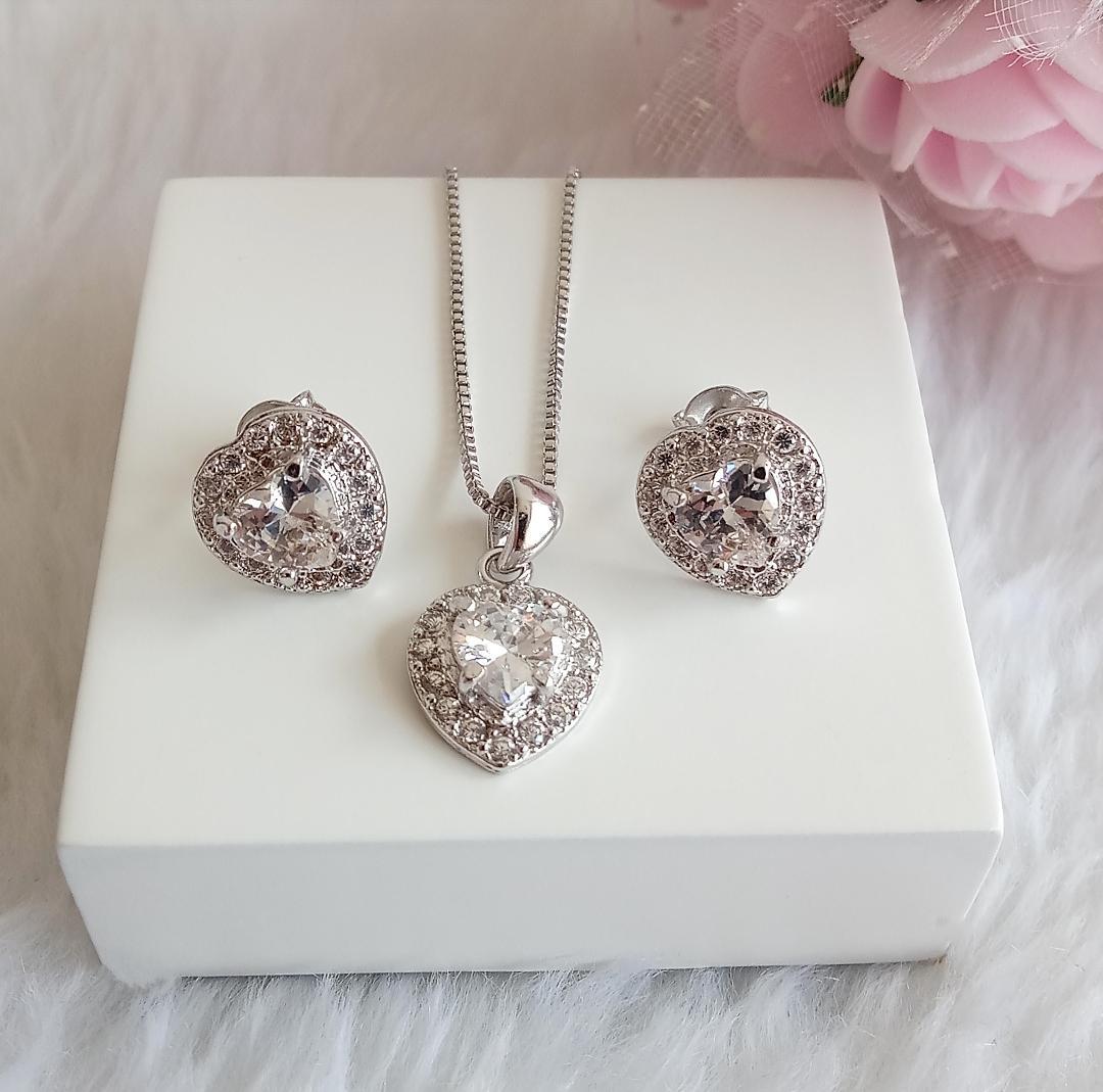 Conjunto Coração Pedra Cristal Com Micro Zircônias