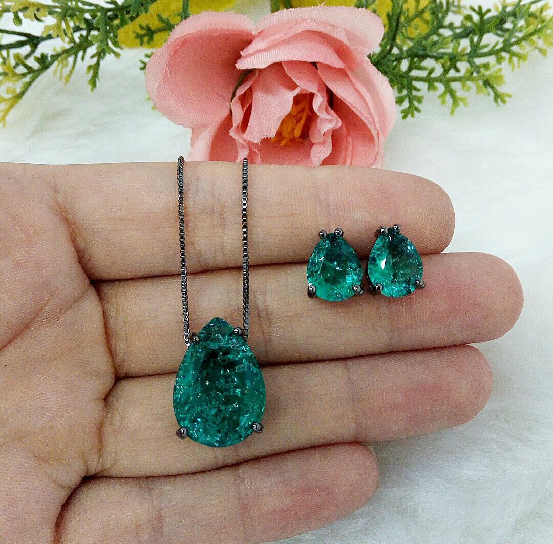 Conjunto Gota Com Pedra Verde Esmeralda Fusion