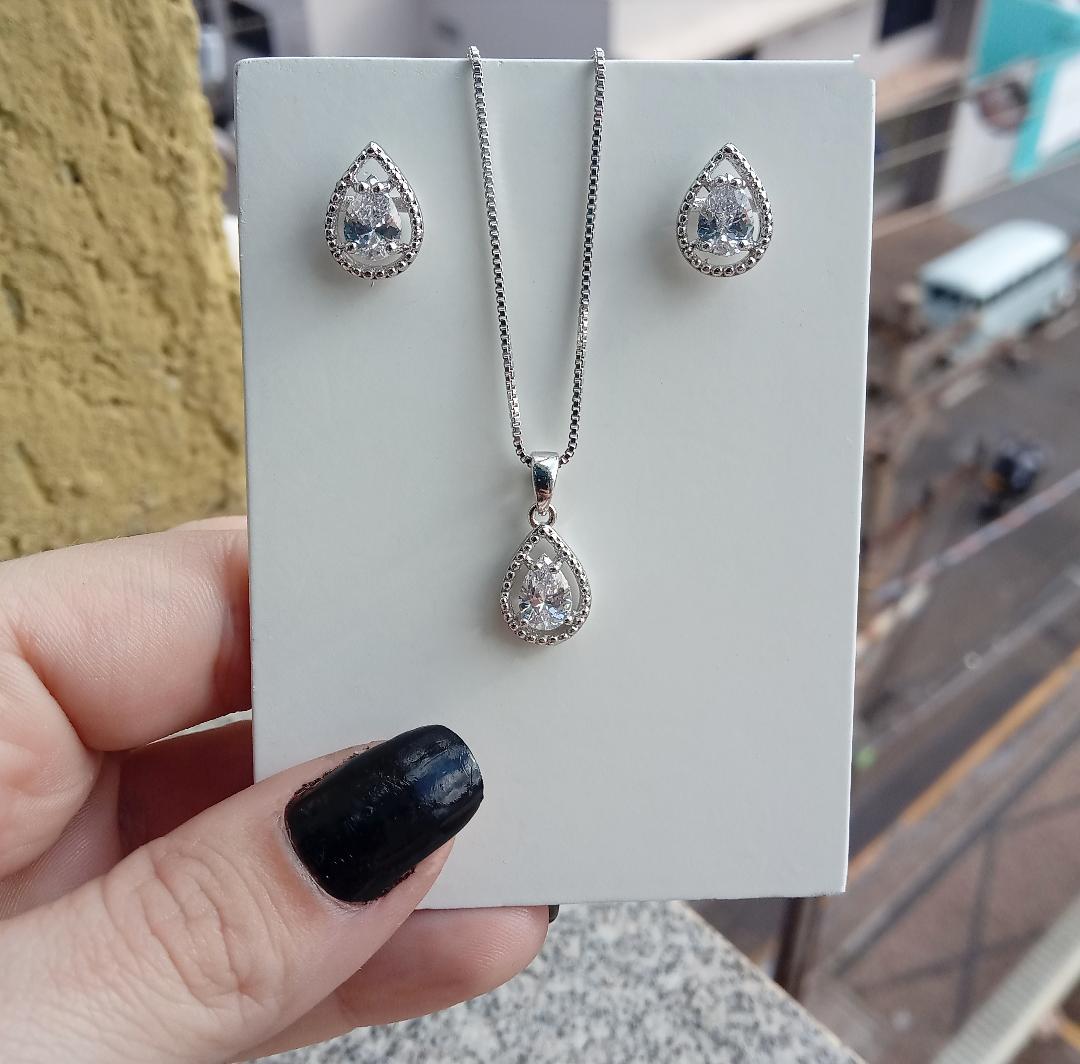 Conjunto Gota Pedra Cristal