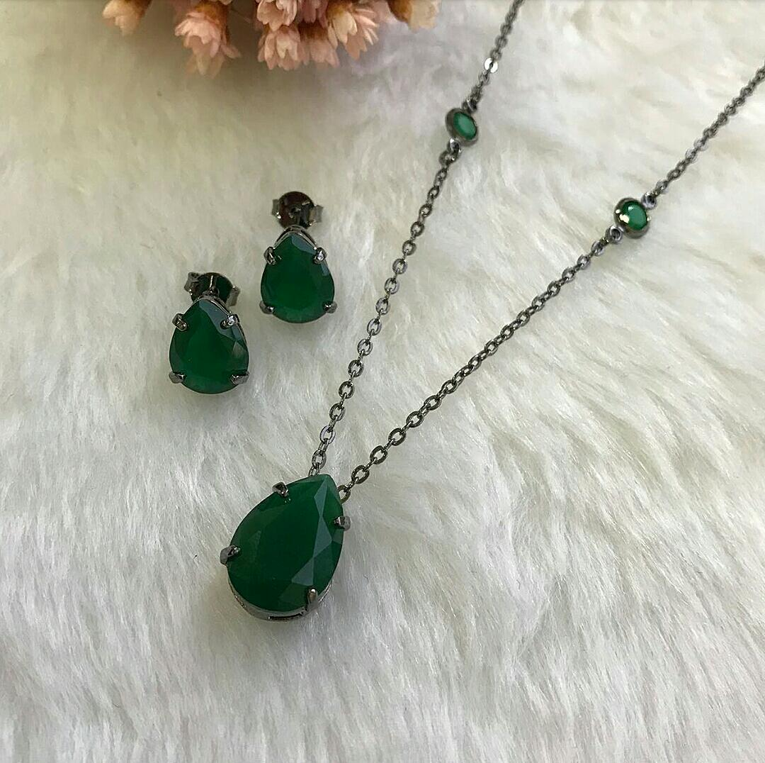 Conjunto Gota Verde Esmeralda e Corrente Com Pontos de Luz