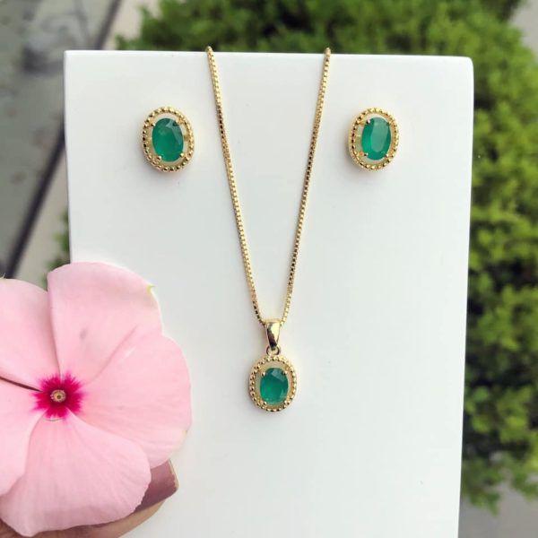 Conjunto Oval Com Pedra Verde Esmeralda Leitoso
