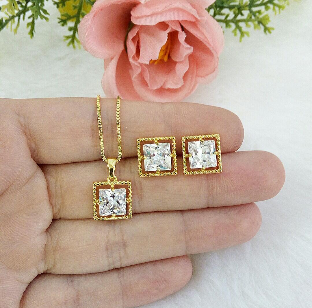 Conjunto Quadrado Com Pedra Cristal