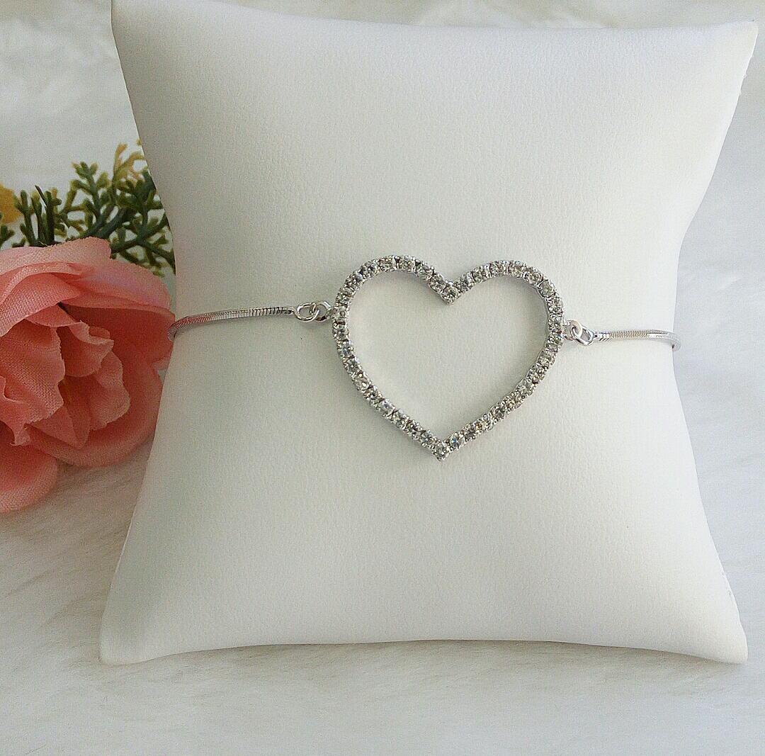 Pulseira Gravatinha Com Coração Vazado Cravejado De Zircônia