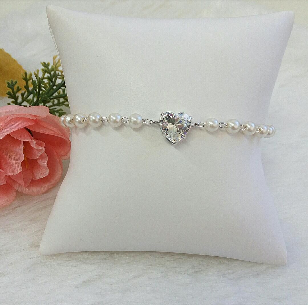 Pulseira Gravatinha Com Pérolas E Coração Cristal