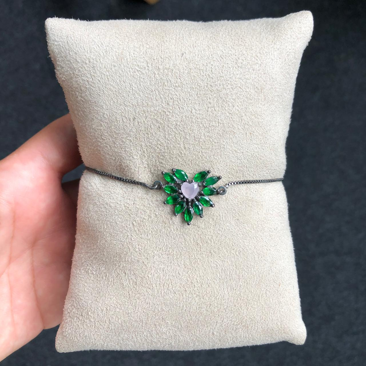 Pulseira Gravatinha  Coração Pedras Verde Esmeralda E Rosa Leitoso