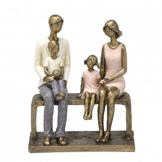 Escultura Família Decorativa em Resina Dourada Sentada no Banco