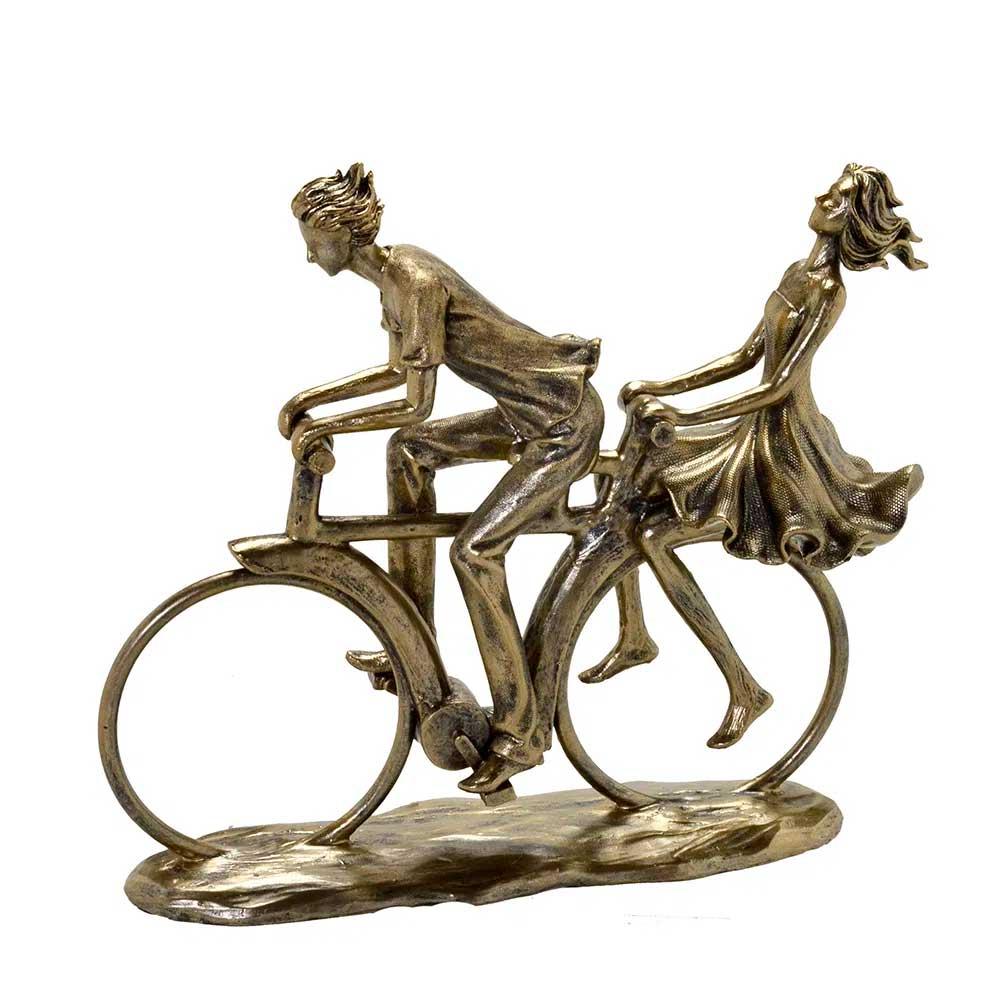 Escultura Decorativa em Resina Dourada Casal na Bicicleta