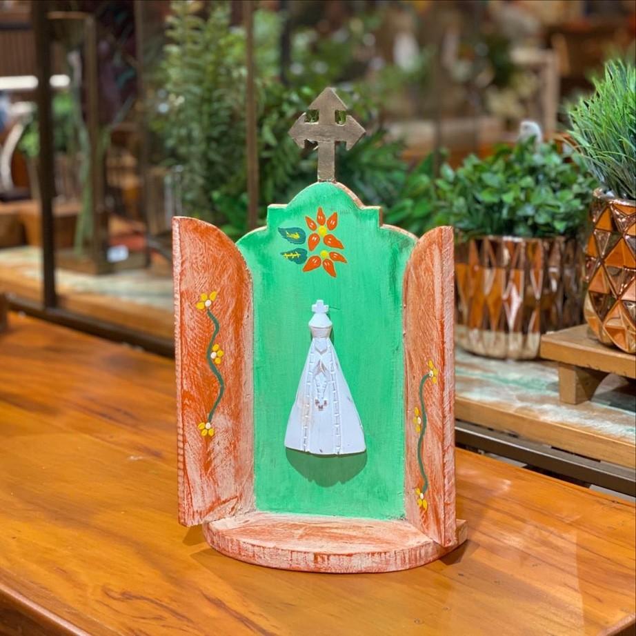 Capelinha com Nossa Senhora Decorada