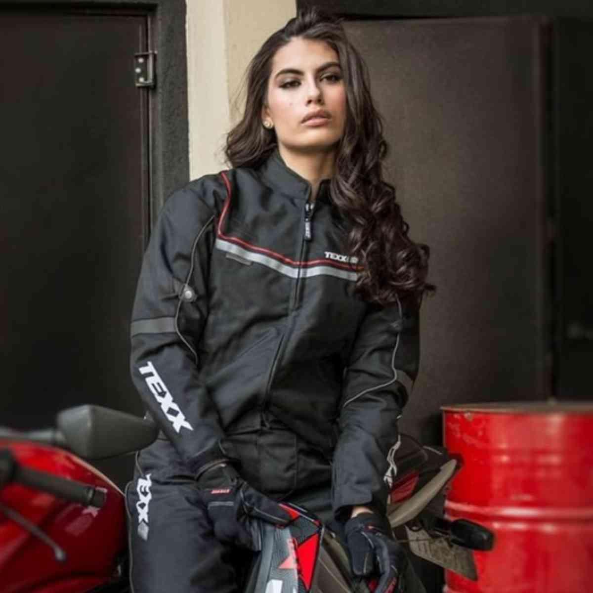 JAQUETA DE MOTOCICLISTA FEMININA TEXX STRIKE LADY V2 2XL + CAPACETE DE MOTO AXXIS DREAMS FOSCO Nº 56