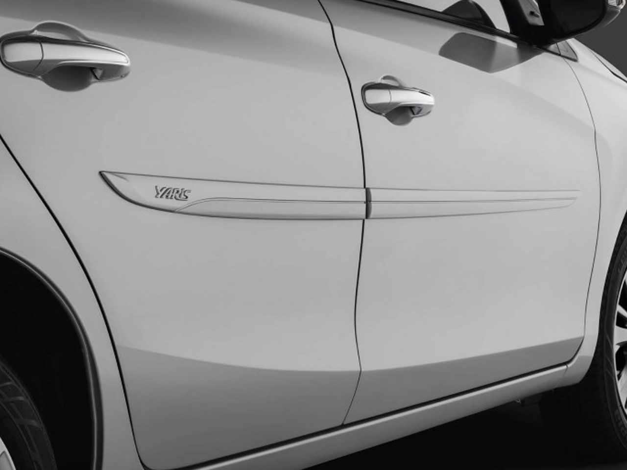 Friso Lateral Sport Genuíno Yaris Hatch XL XS XLS  - Mirai Peças Toyota