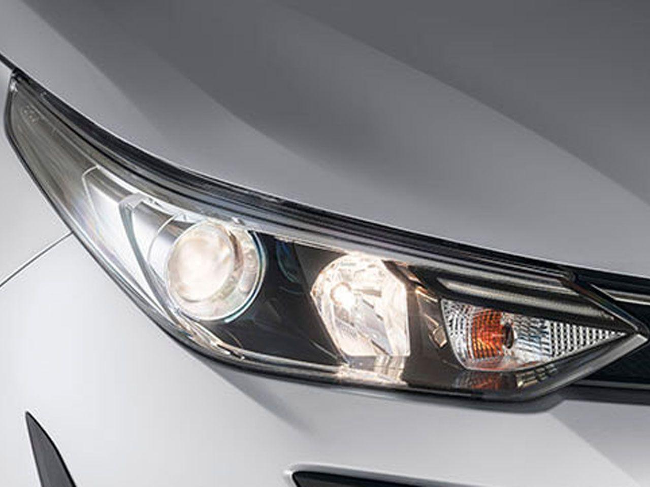 Kit de Lâmpadas de Luz Branca para Faróis Yaris XL XS XLS X-WAY  - Mirai Peças Toyota