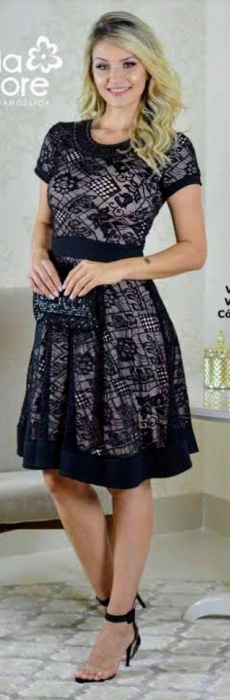 Vestido godê bordado Virgínia - Maria Amore (2256 E)