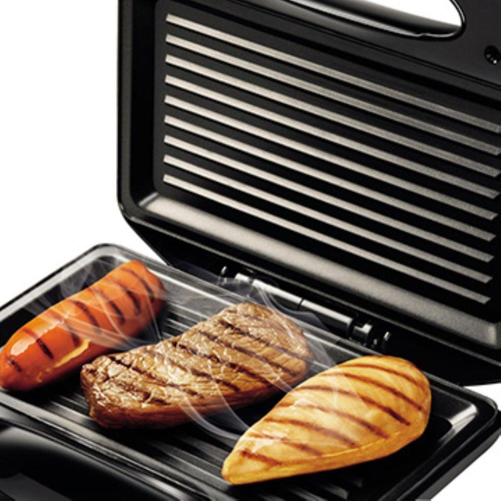 Sanduicheira Fast Grill e Sandwich Mondial S-12 750W Preta