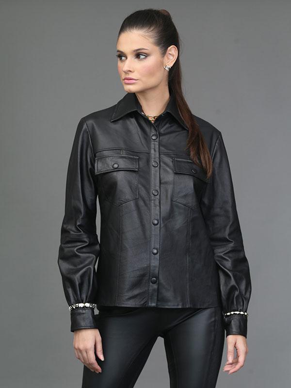 Camisa Couro Mestiço detalhe das mangas franzidas cor preta - REF-BL-0224