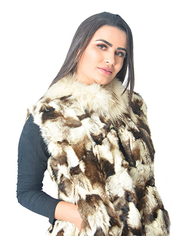 Colete Feminino Pele Coelho Importada Espanha Patchwork Estampa Chinchila Gola Raccoon Off White Modelo D - REF-CO-0014