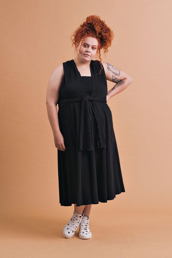 Vestido Plus Size Midi Liz Preto