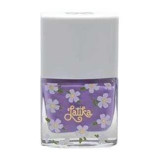 Latika Nail Lilás Daisy Bouquet