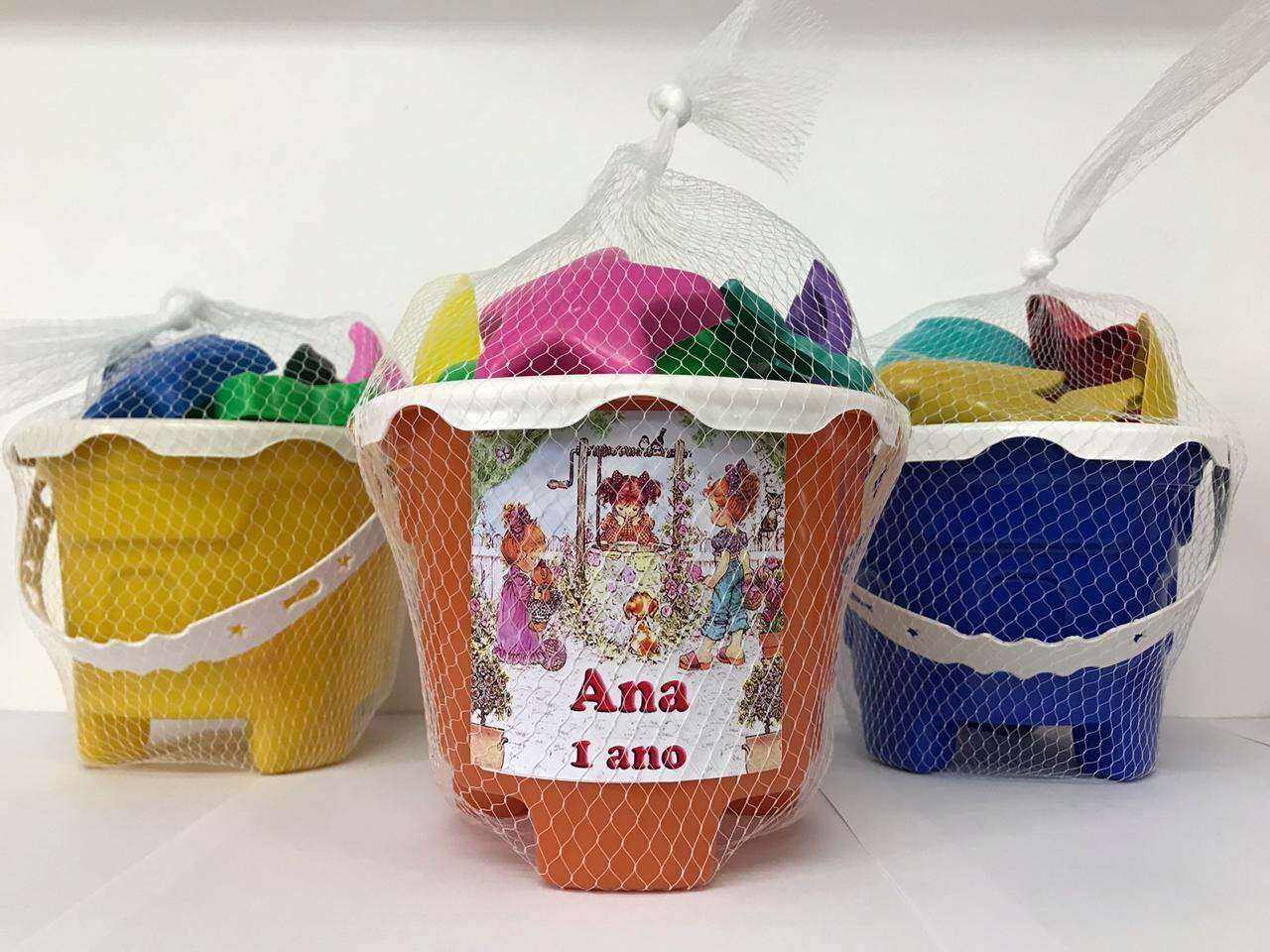 Kit com 10 baldes de praia Castelinho encantado