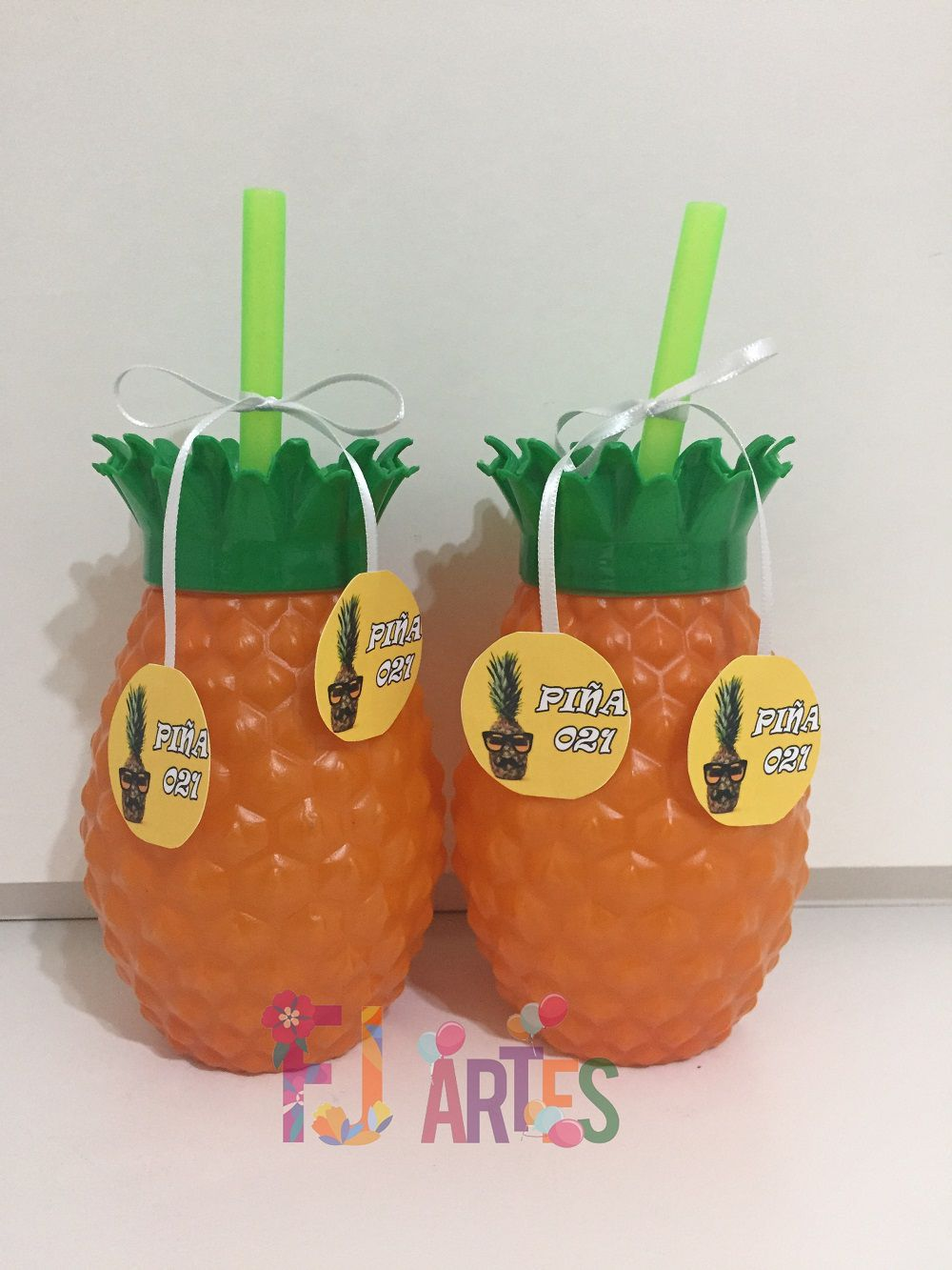 Copo Abacaxi com Canudo 500 ml + Tag