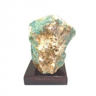 Pedra de Amazonita Bruta na Base de Madeira Pedra do ano 2021