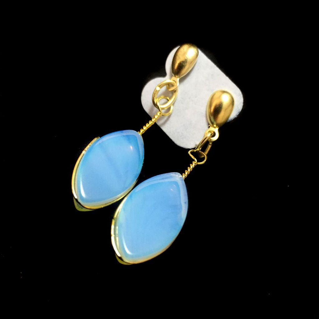 Brinco Pedra da Lua Opalina Dourado