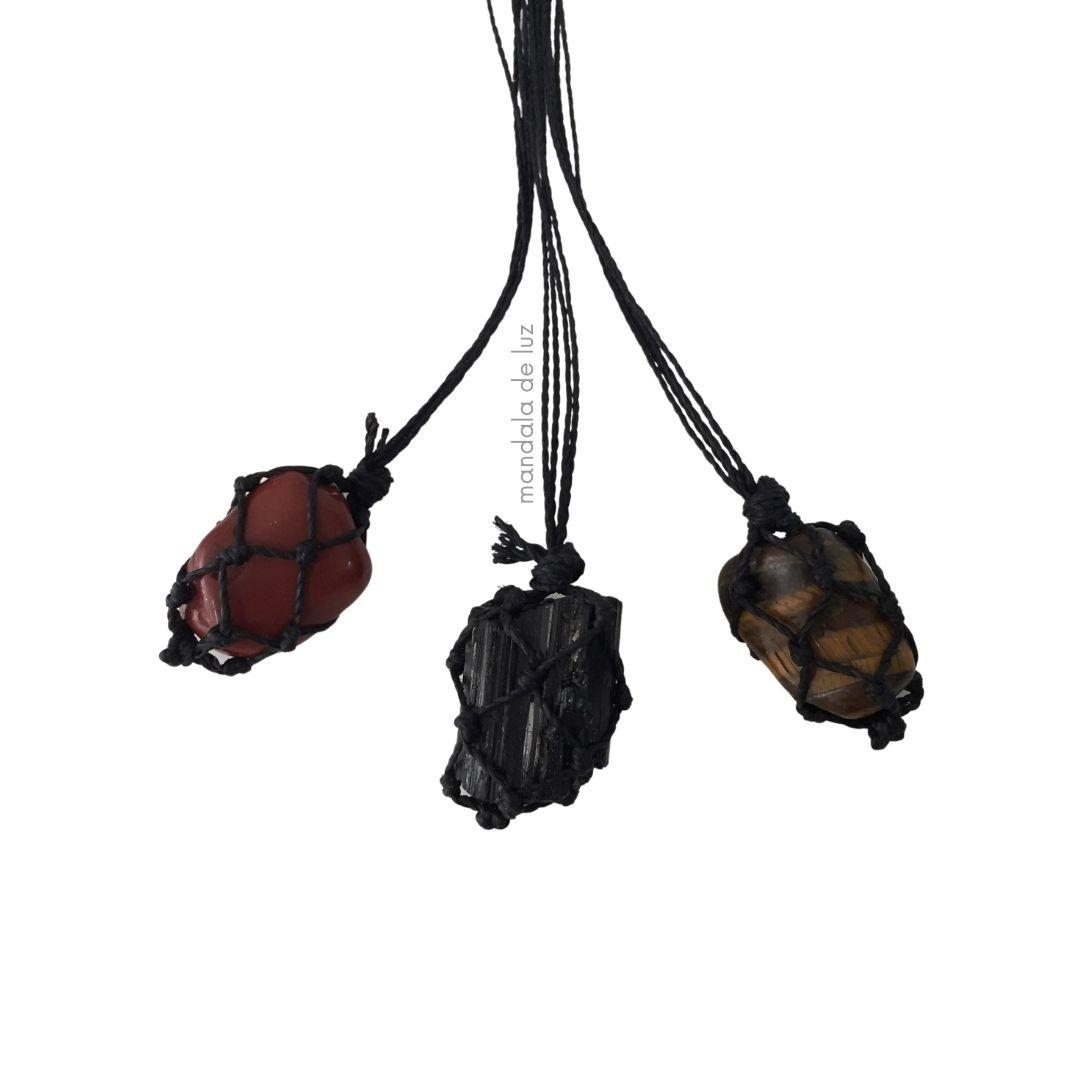 Kit 3 Colares de Pedra Castroada Olho de Tigre, Jaspe Vermelho e Turmalina Negra