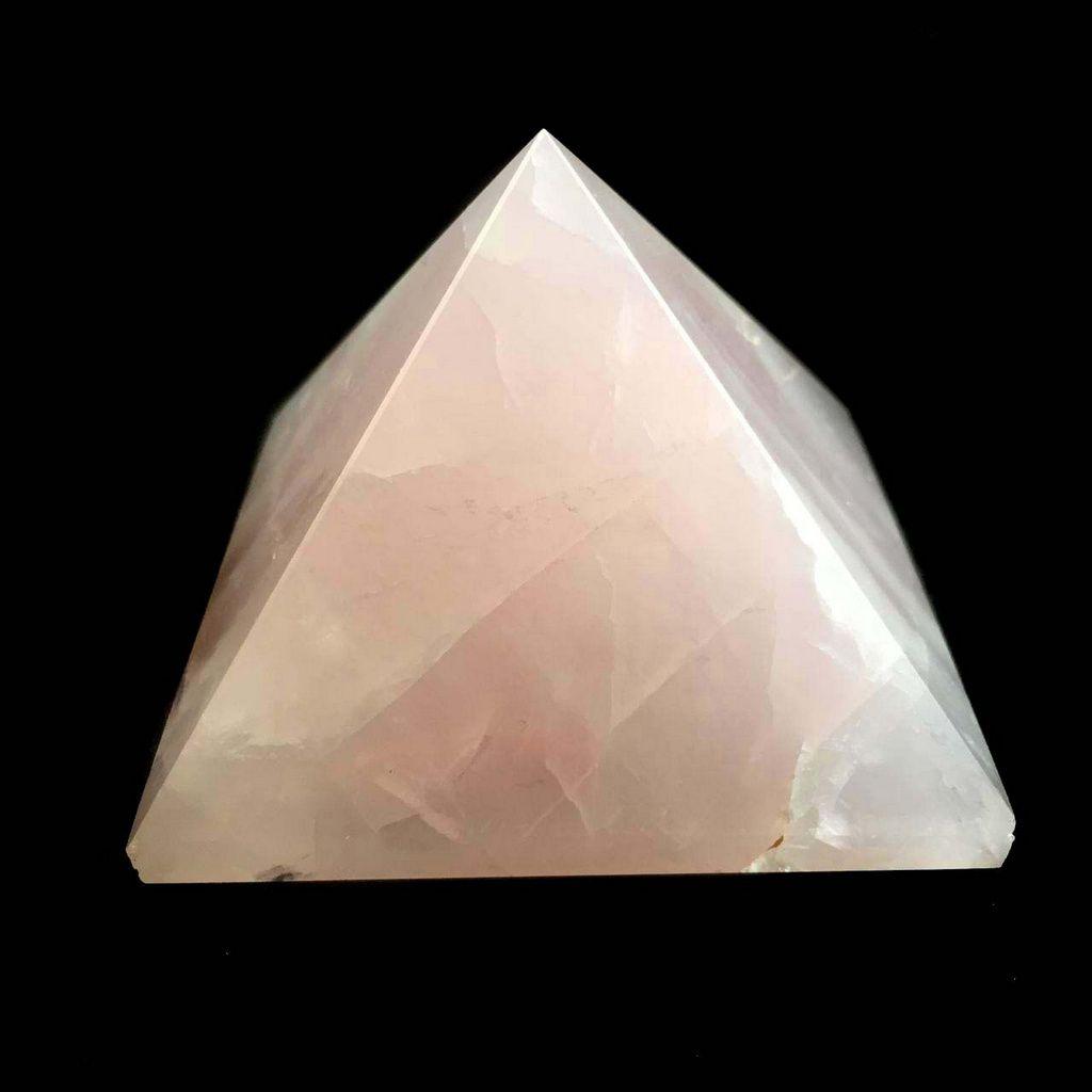 Pirâmide de Pedra Quartzo Rosa