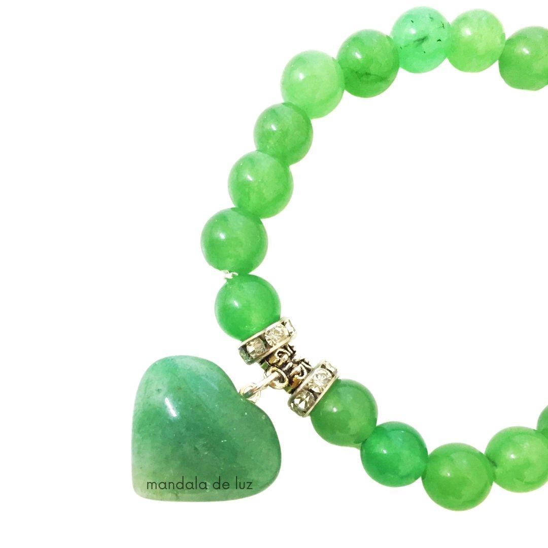 Pulseira de Esferas de Quartzo Verde com Berloque de Coração e Strass