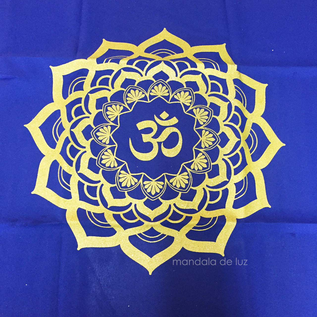 Toalha Para Tarô Símbolo OM Azul e Amarela 70cm