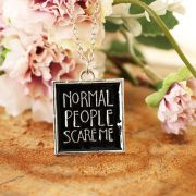 Colar Normal People