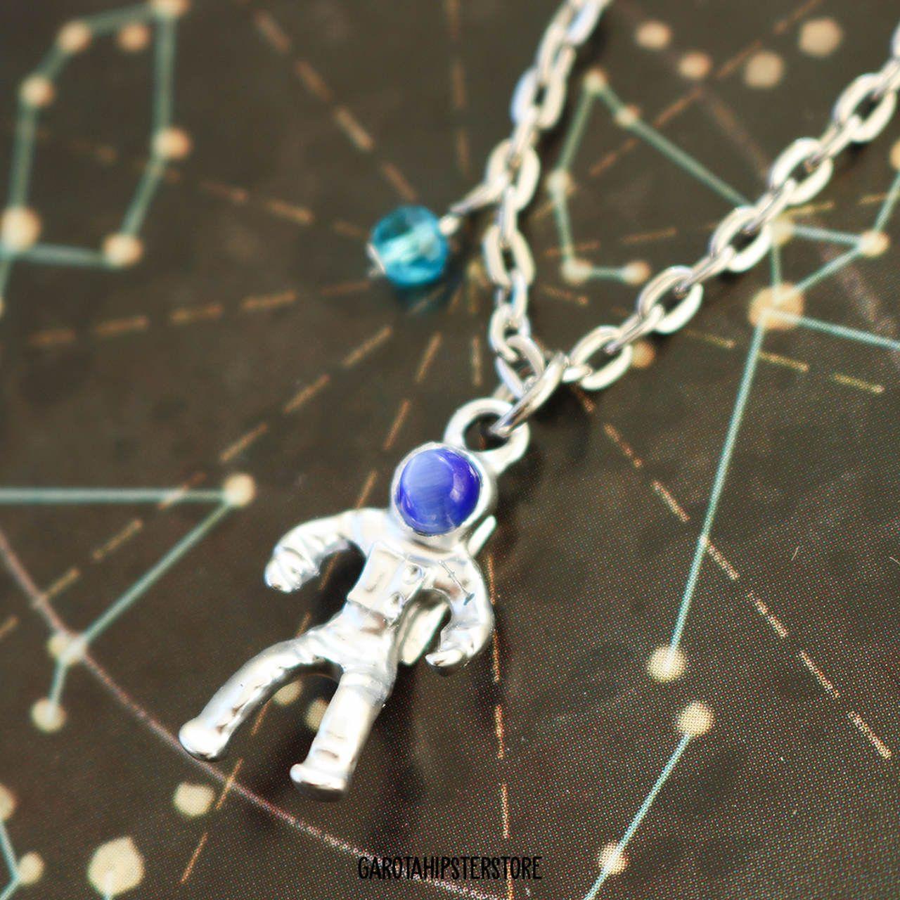 Colar Astronauta Extraordinário