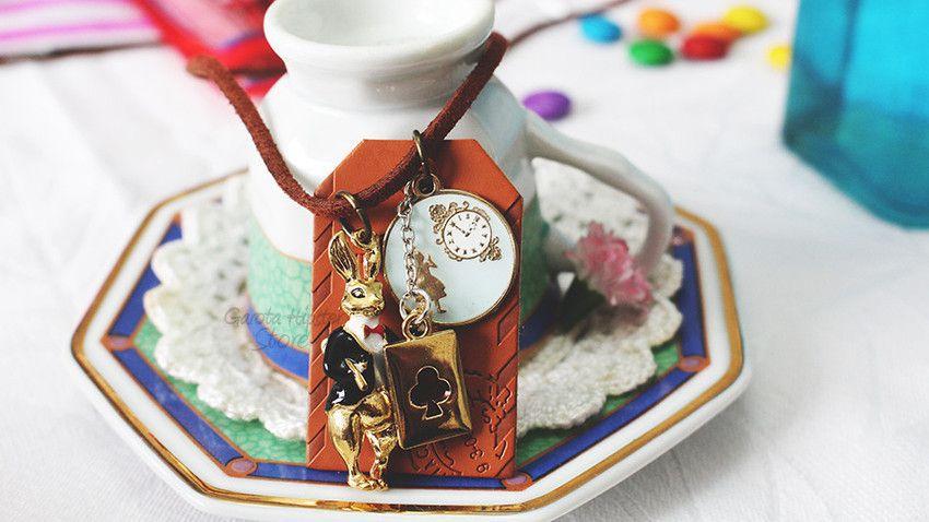 Colar Coelho Hora Do Chá Alice