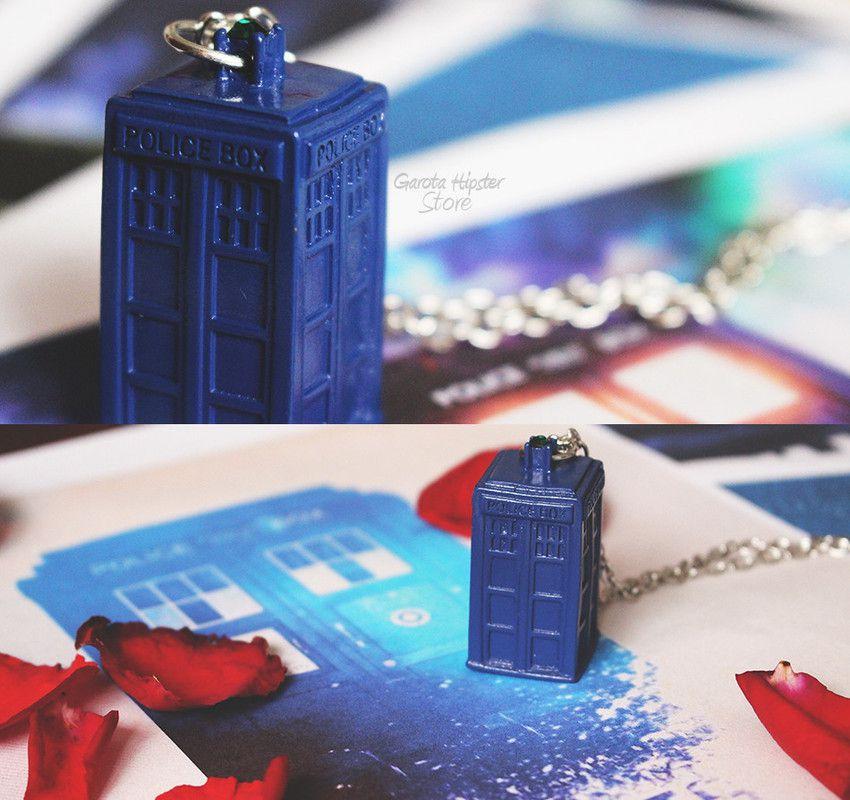 Colar Doctor Tardis Azul
