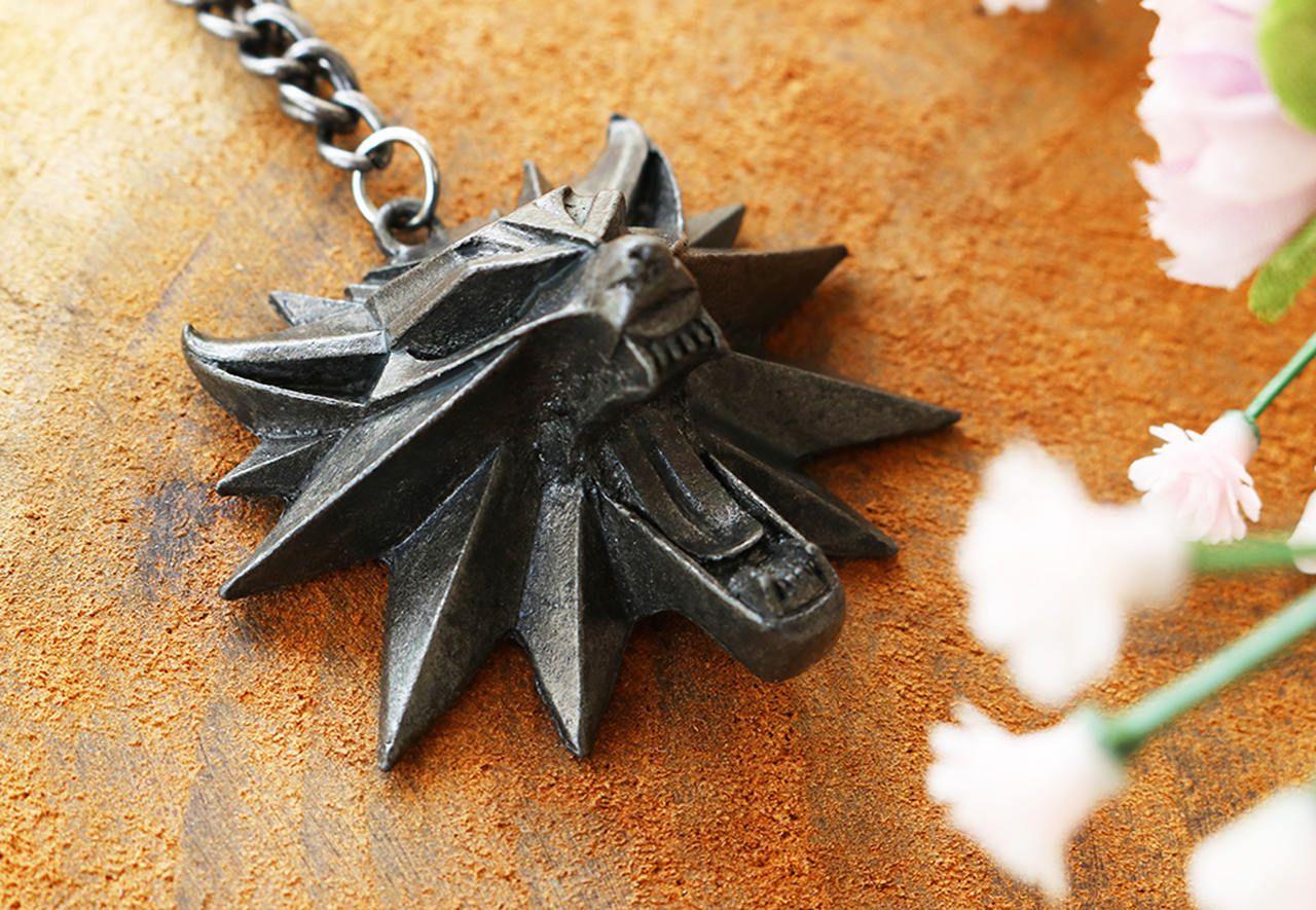 Colar Medalhão Witcher