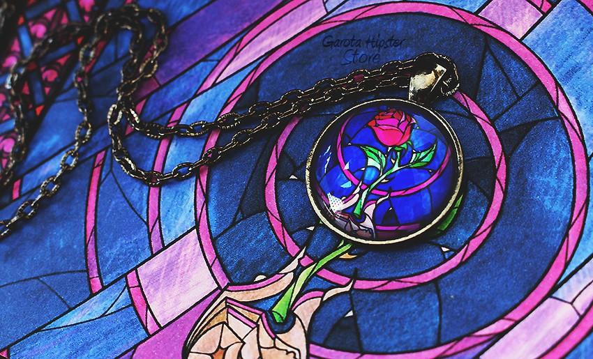 Colar Vitral Rosa Encantada Bela e a Fera