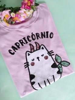 Camiseta Capricórnio Lilás Clarinho