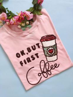 Camiseta First Coffee Rosa