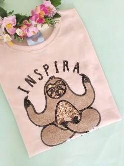 Camiseta Inspira, Respira e Não Pira Salmão Clarinho